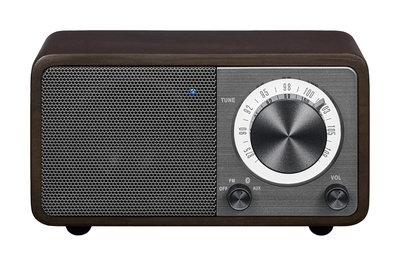 Sangean WR-7 walnut radio